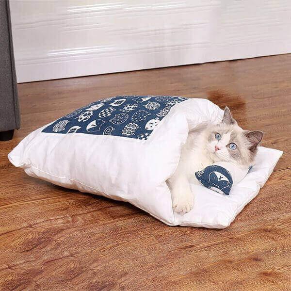 WINTER WARM CAT SLEEPING BAG