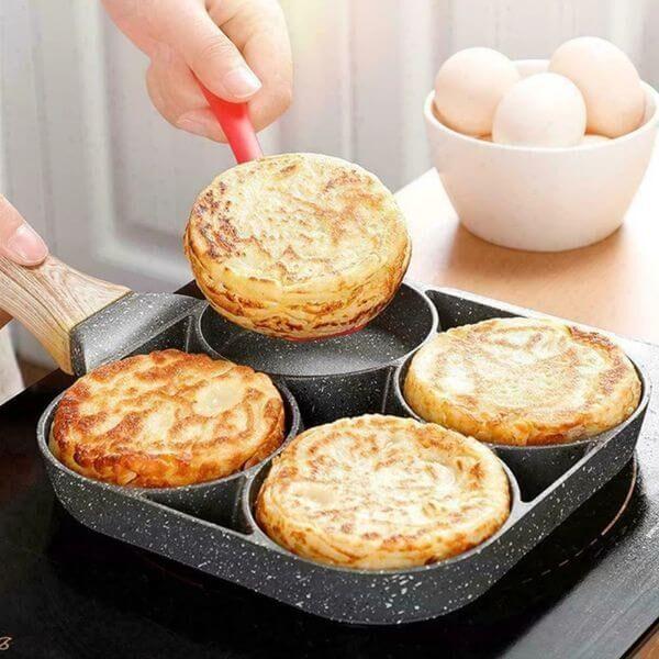 NON-STICK 4 MOLES OMELET PAN