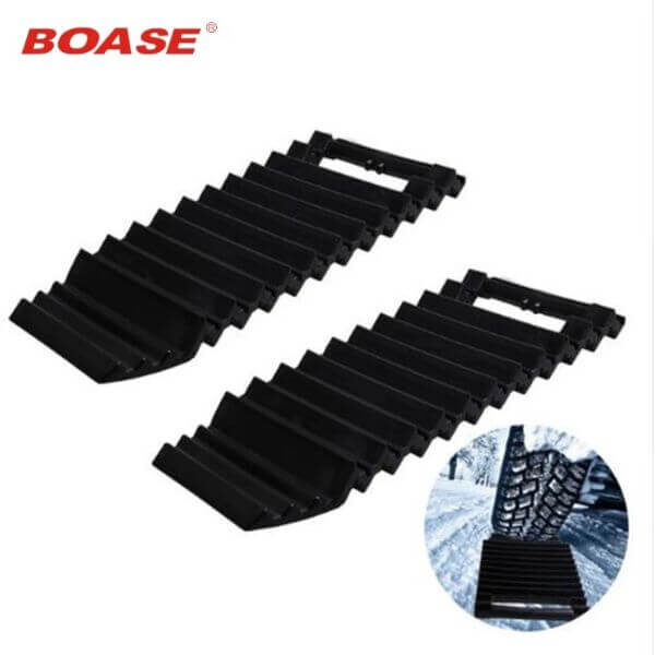 UNIVERSAL PORTABLE CAR GRIP TRACKS MAT